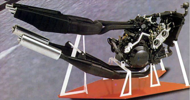 rd500lc-moteur-02