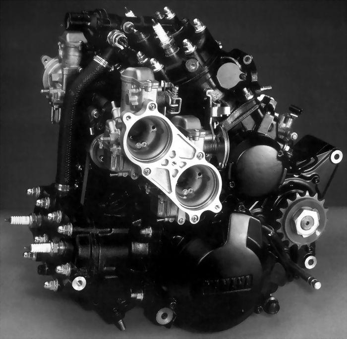 rd500lc-moteur-04
